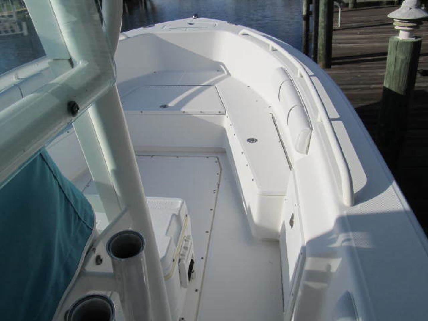 2007 Everglades 24' 243CC With Trailer and No Bottom Paint  | Picture 2 of 28