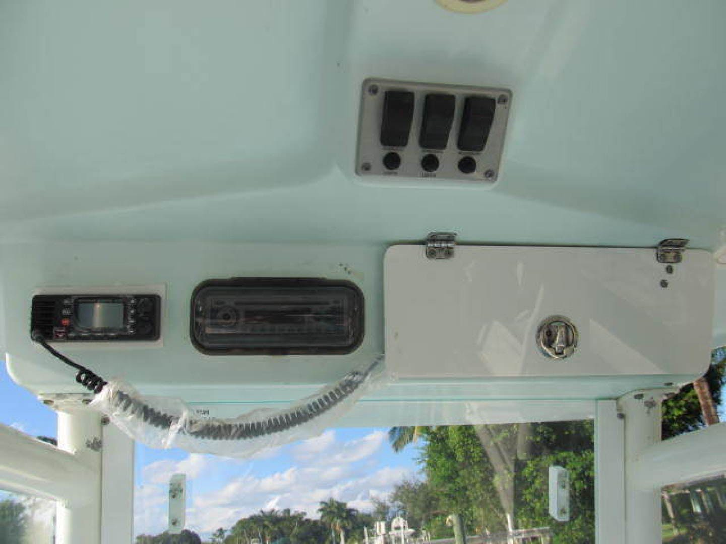 2007 Everglades 24' 243CC With Trailer and No Bottom Paint  | Picture 1 of 28