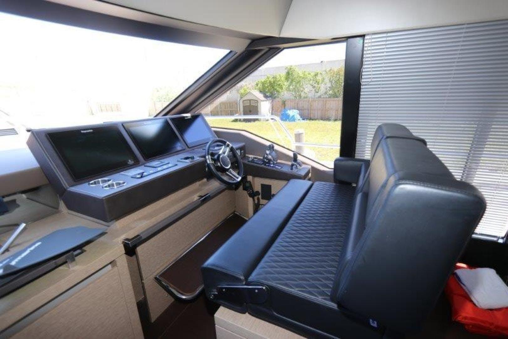 2017 Prestige 68' Motoryacht Breathe Easy | Picture 5 of 33