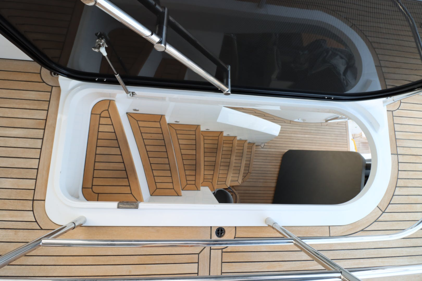 2017 Sunseeker 75' Yacht Mojo Risin   Picture 1 of 63