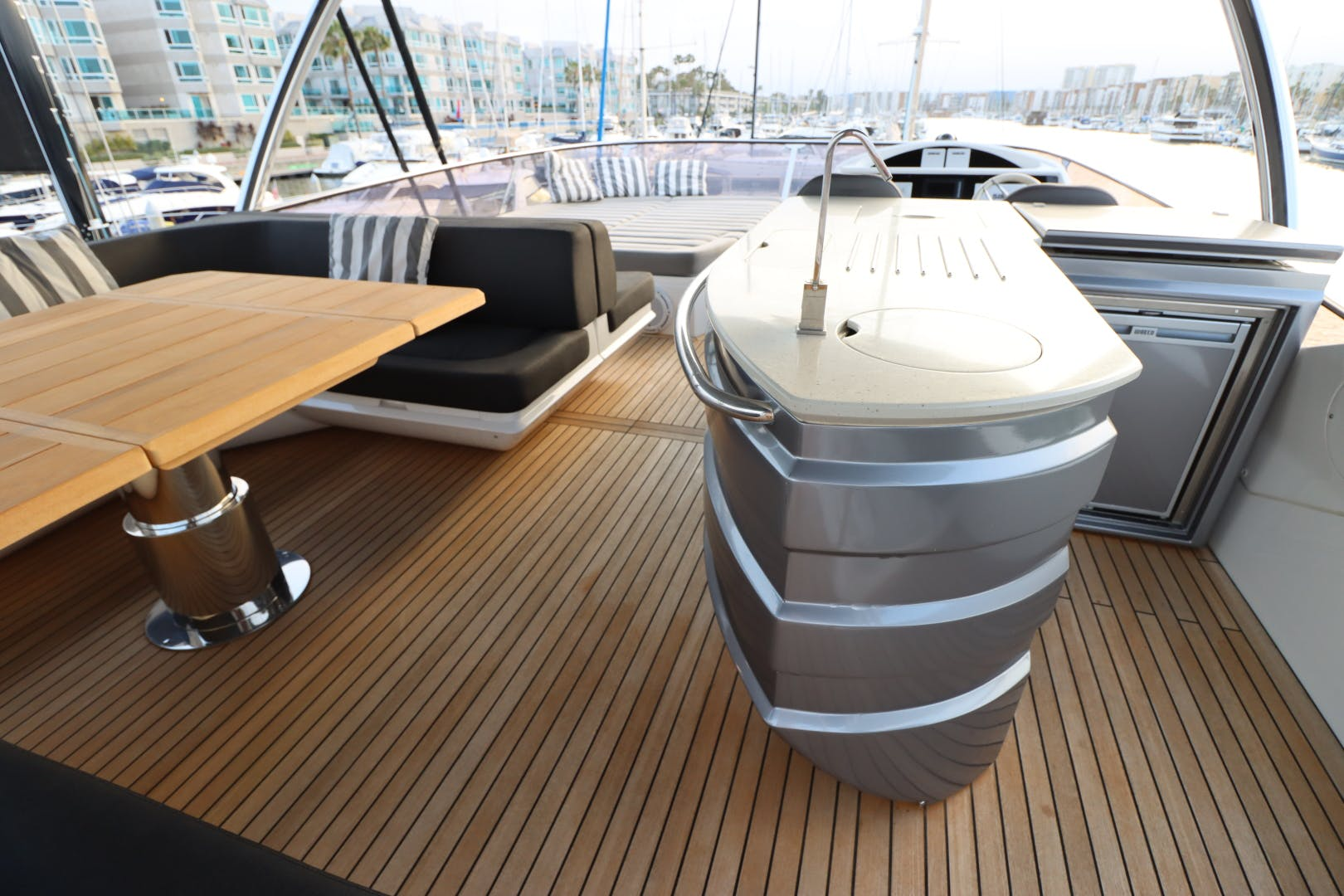 2017 Sunseeker 75' Yacht Mojo Risin   Picture 6 of 63
