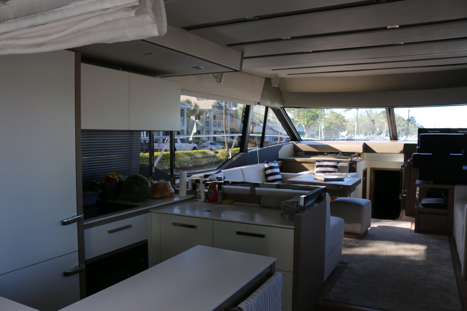 2018 Prestige 63' 630 Over The Rainbow | Picture 6 of 97