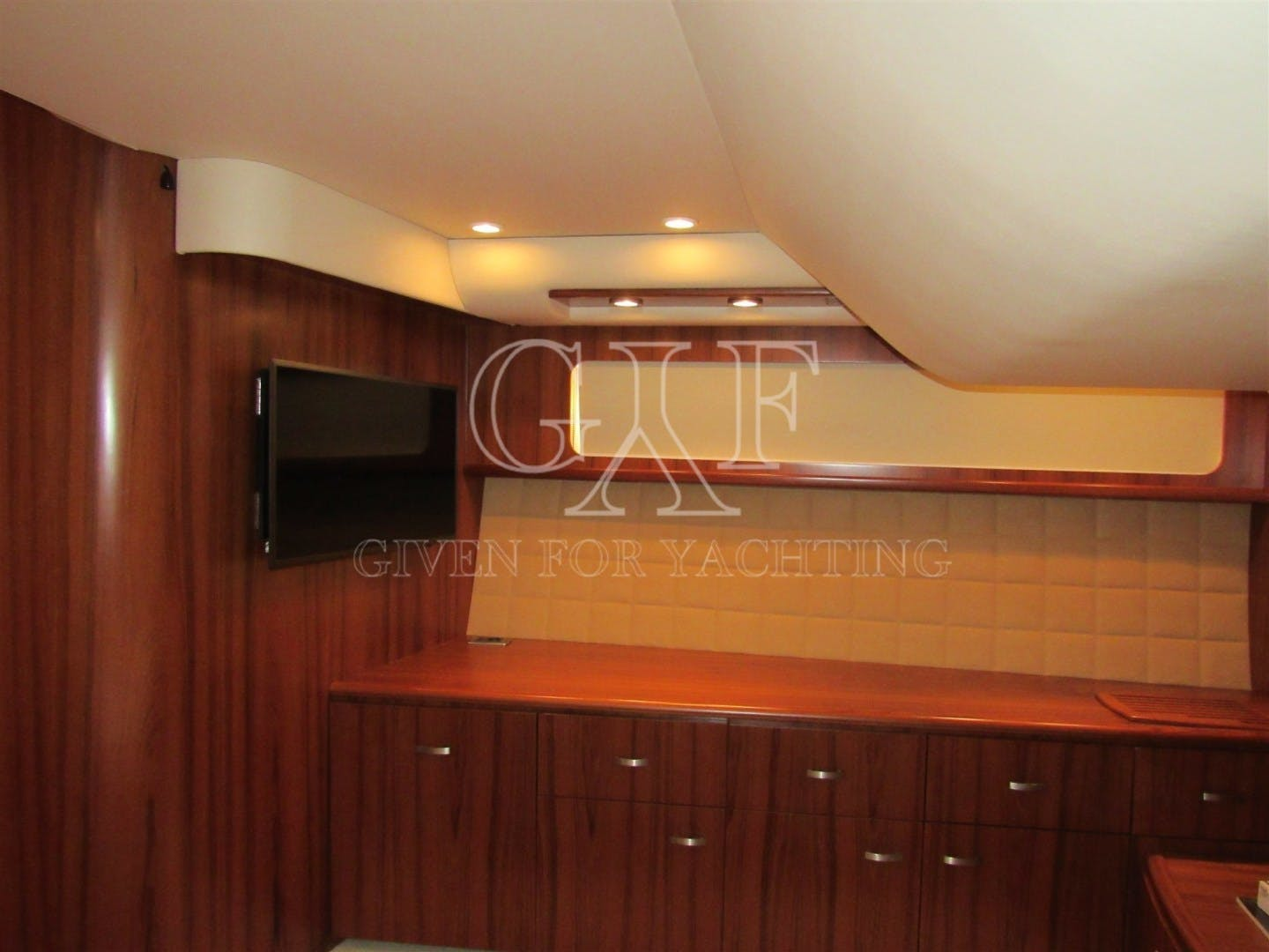 2008 Tiara Yachts 60' 5800 Sovran SLOWLY FOUR | Picture 4 of 24