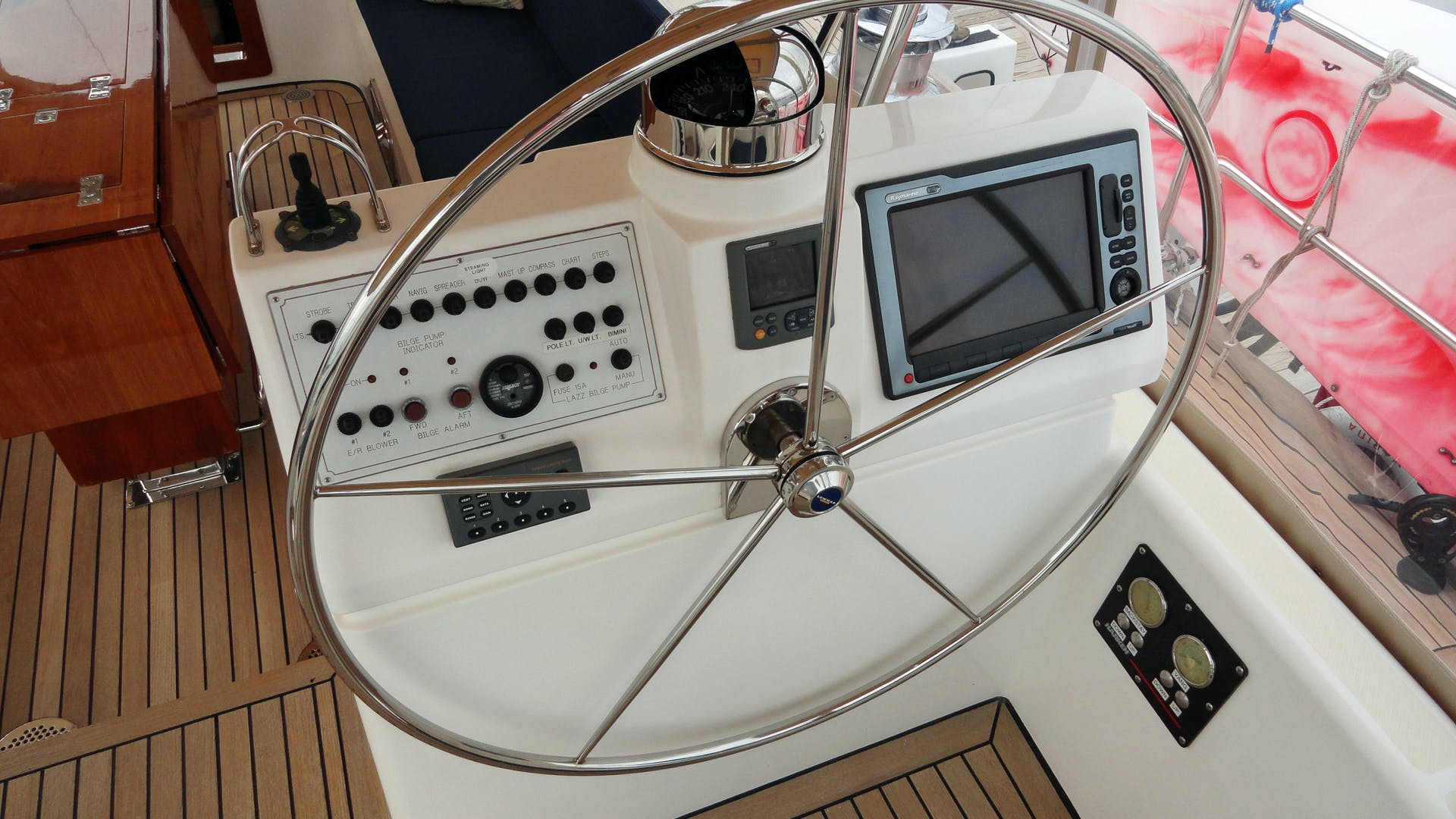 2010 Hylas 70' Center Cockpit MAGNETIC SKY | Picture 5 of 37