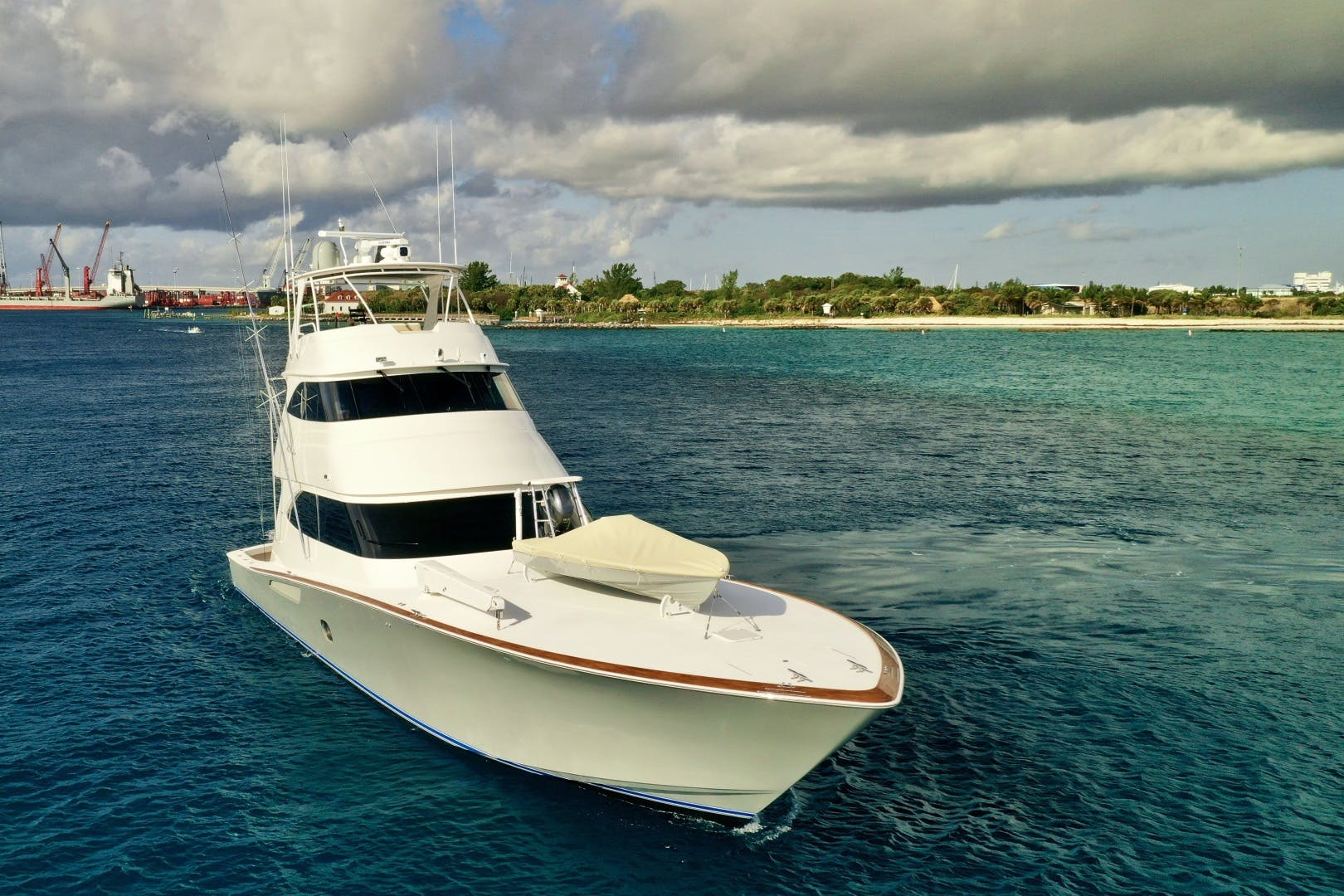 2010 Viking 76' 76 Convertible High Cotton   Picture 8 of 61