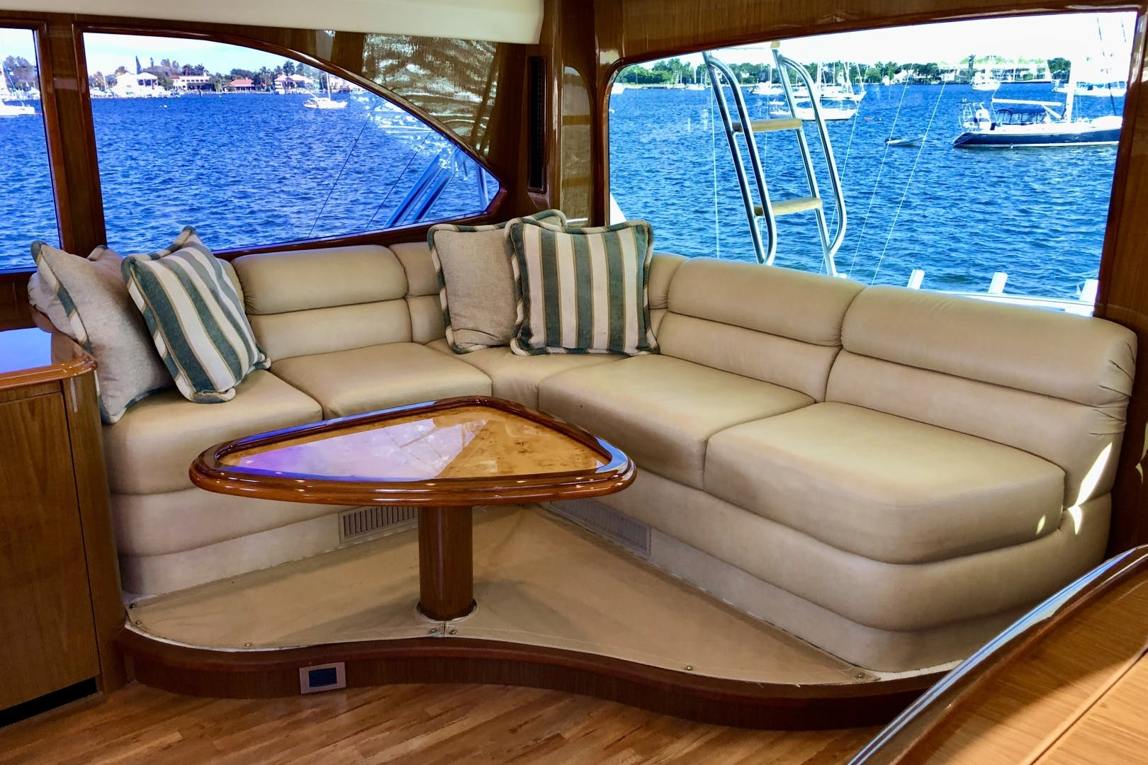 2010 Viking 76' 76 Convertible High Cotton   Picture 2 of 61