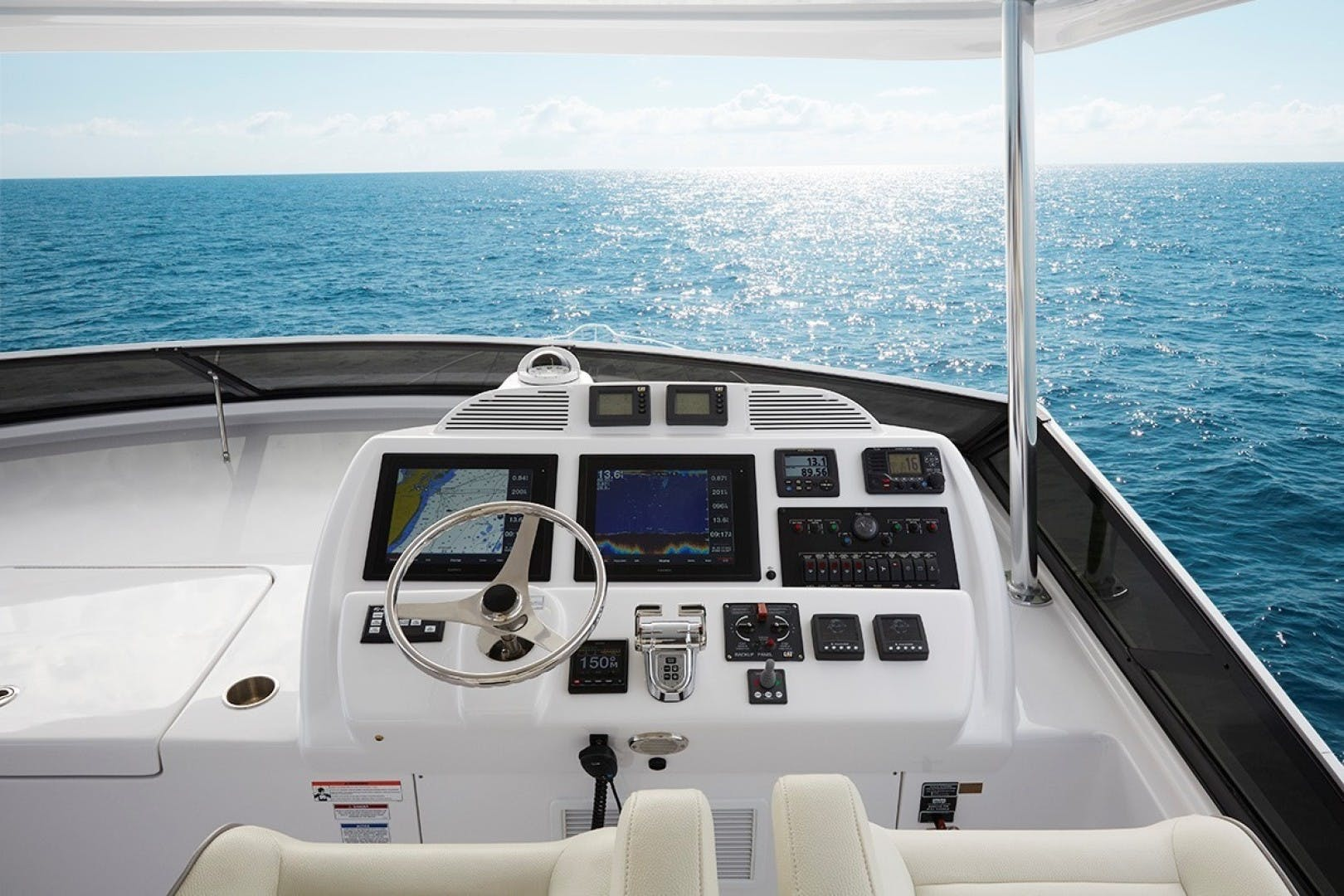 2021 Hatteras 60' M60 M60 | Picture 7 of 7
