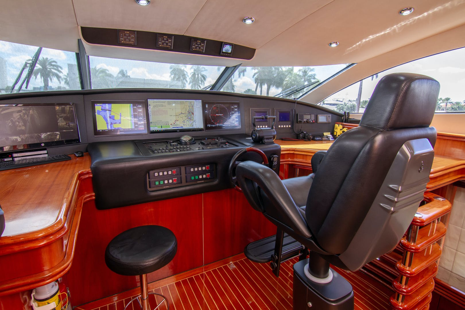 2002 Sunseeker 105'  OMG | Picture 6 of 31