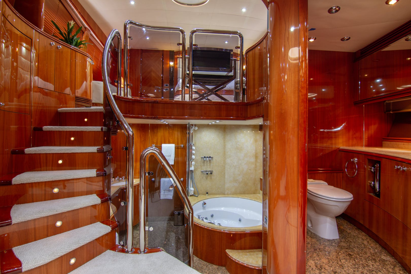 2002 Sunseeker 105'  OMG | Picture 5 of 31