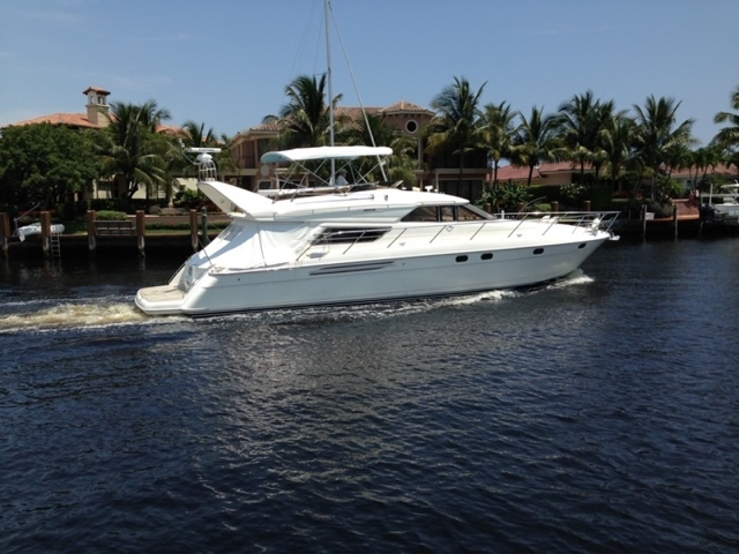 "2000 Viking Princess 60' Sport Cruiser ""Amenities"""