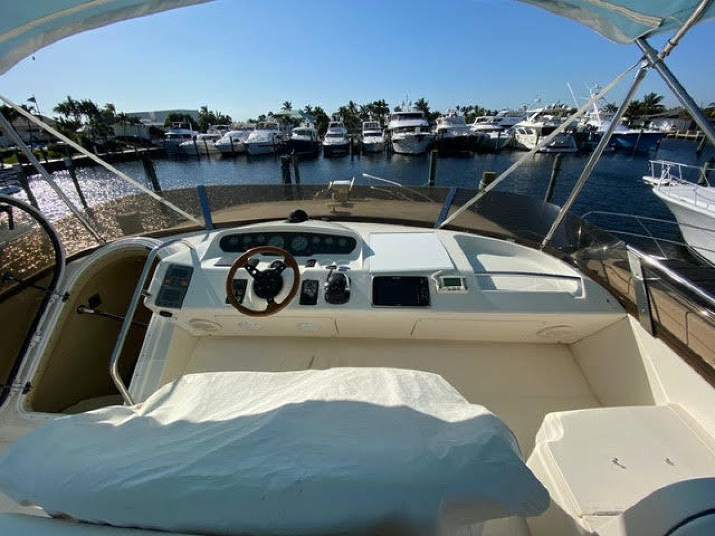 2000 Viking Princess 60' Sport Cruiser Amenities | Picture 8 of 35