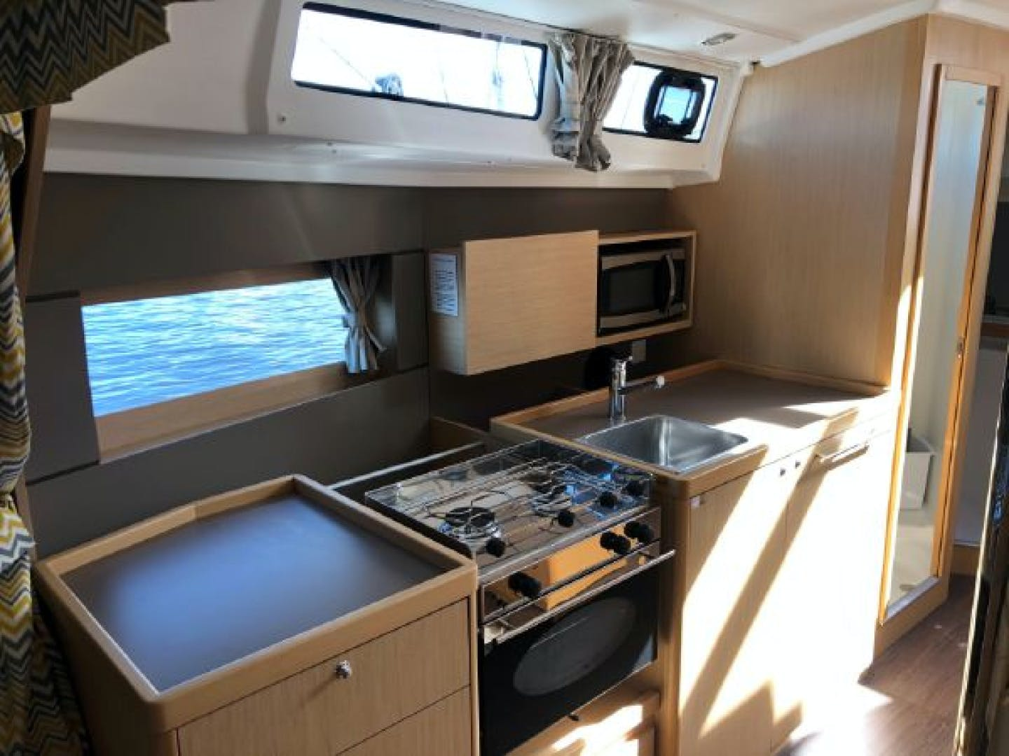 2015 Beneteau 38' Oceanis 38 SCONNIE2  | Picture 8 of 74