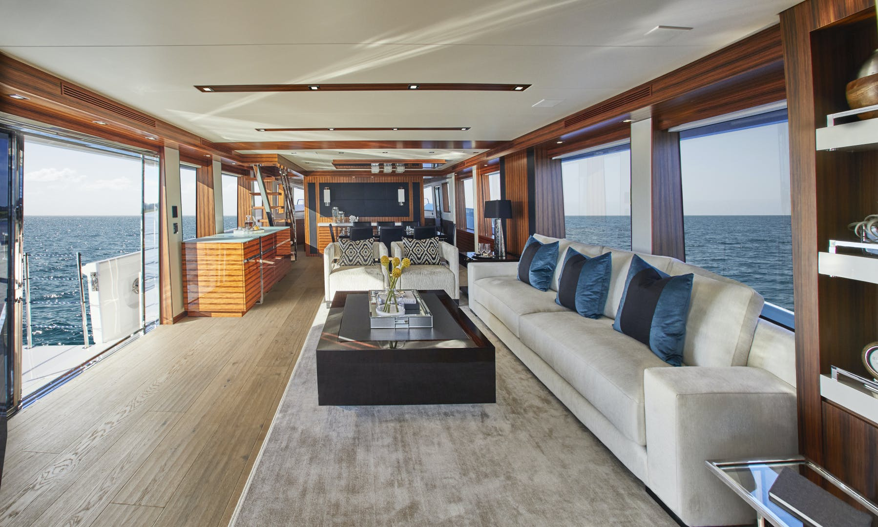 2021 Hatteras 90' M90 M90 | Picture 5 of 7
