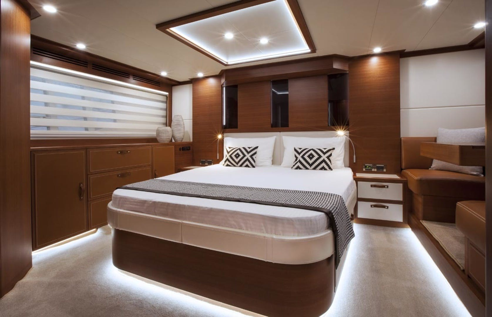 2020 Dyna Yachts 63' 63  | Picture 3 of 31