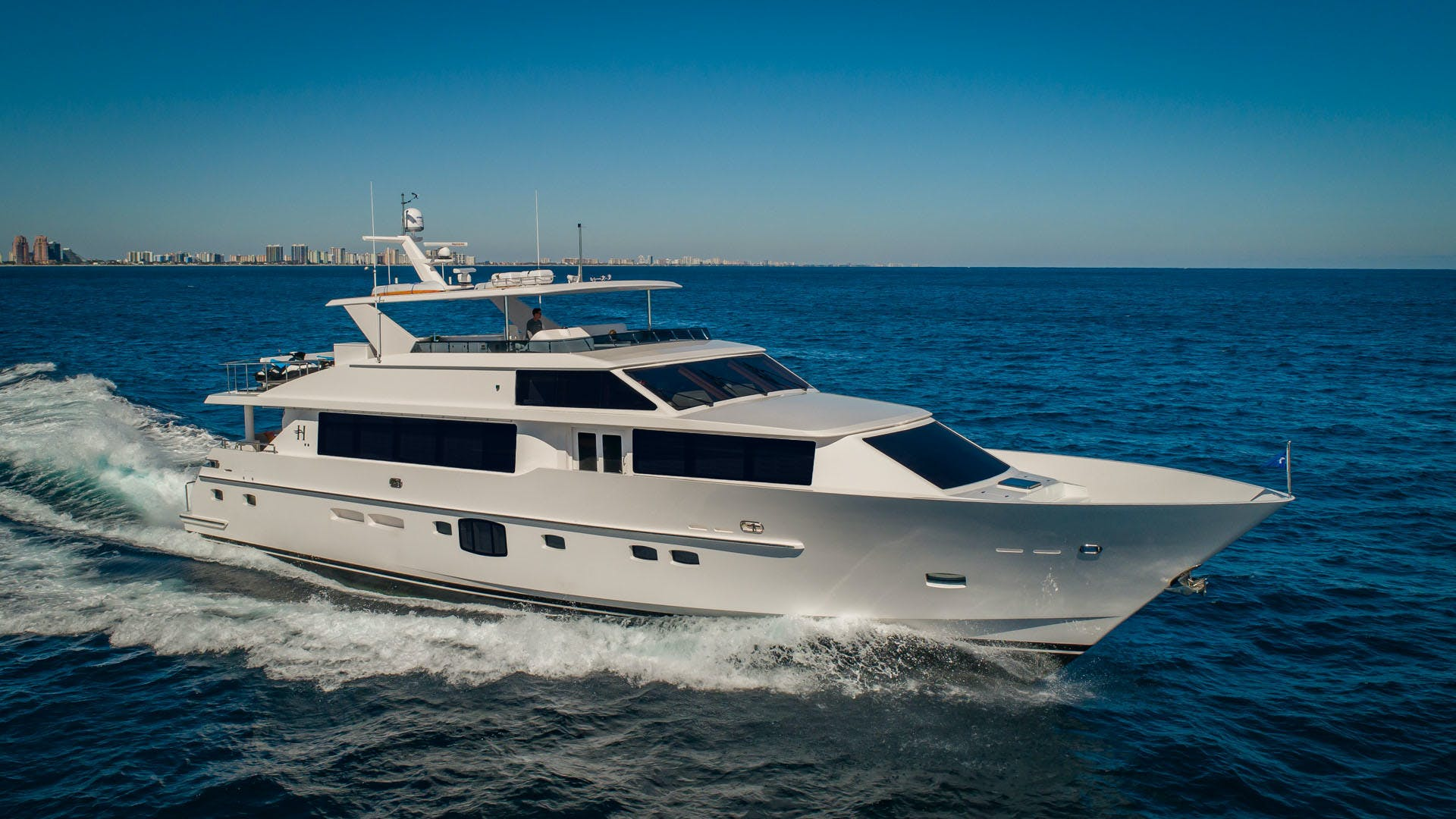 2020 Hargrave 105' Raised Pilothouse IRRESISTIBLE | Picture 1 of 79