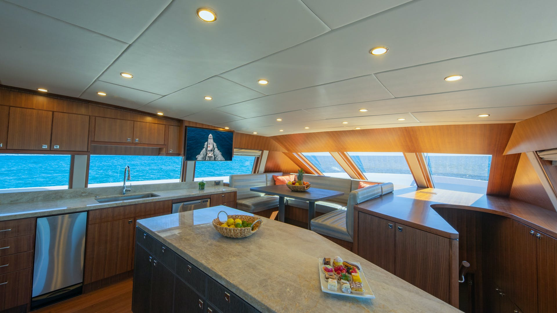 2020 Hargrave 105' Raised Pilothouse IRRESISTIBLE | Picture 7 of 79