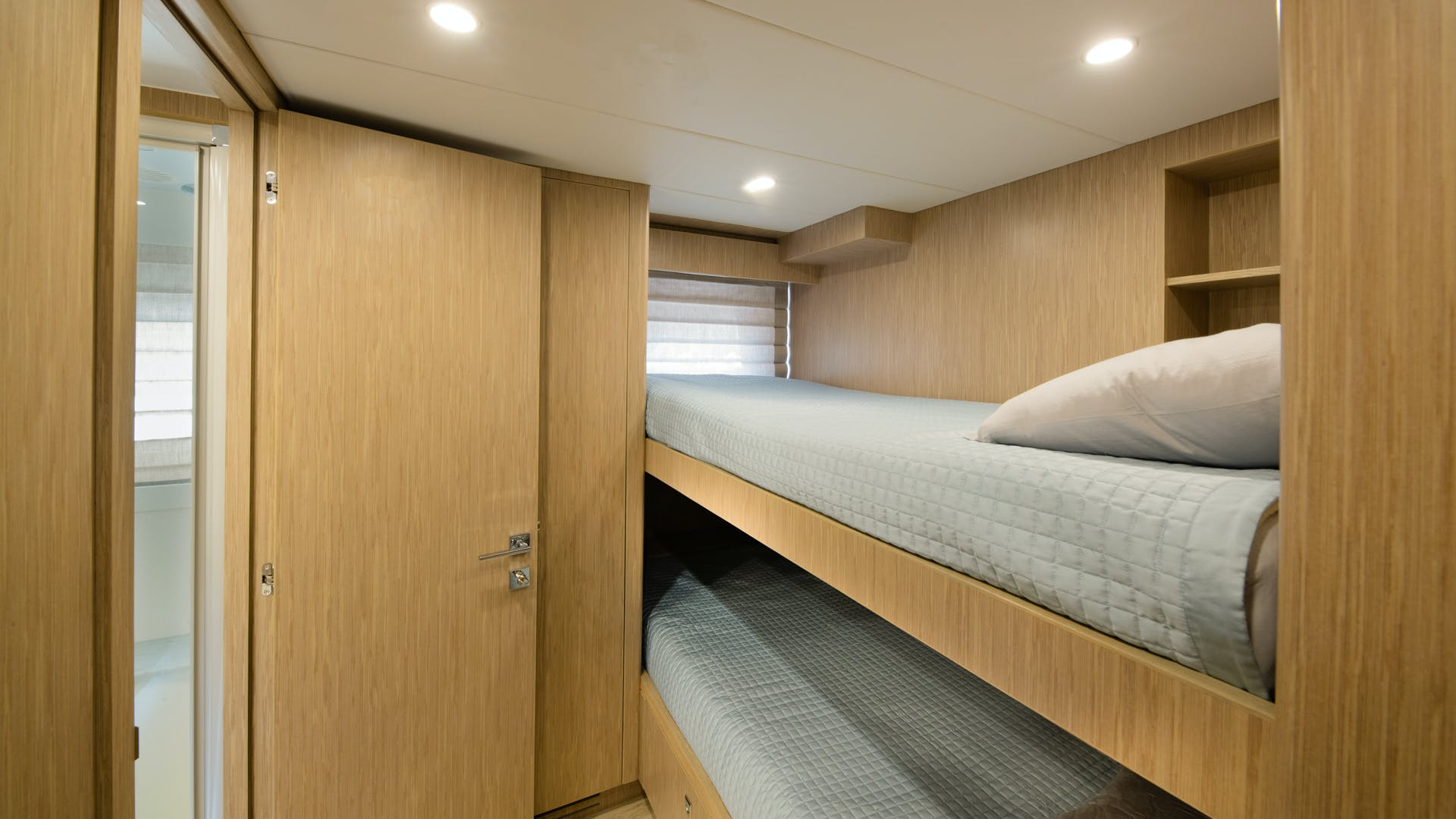 2020 Hargrave 105' Raised Pilothouse IRRESISTIBLE | Picture 4 of 79