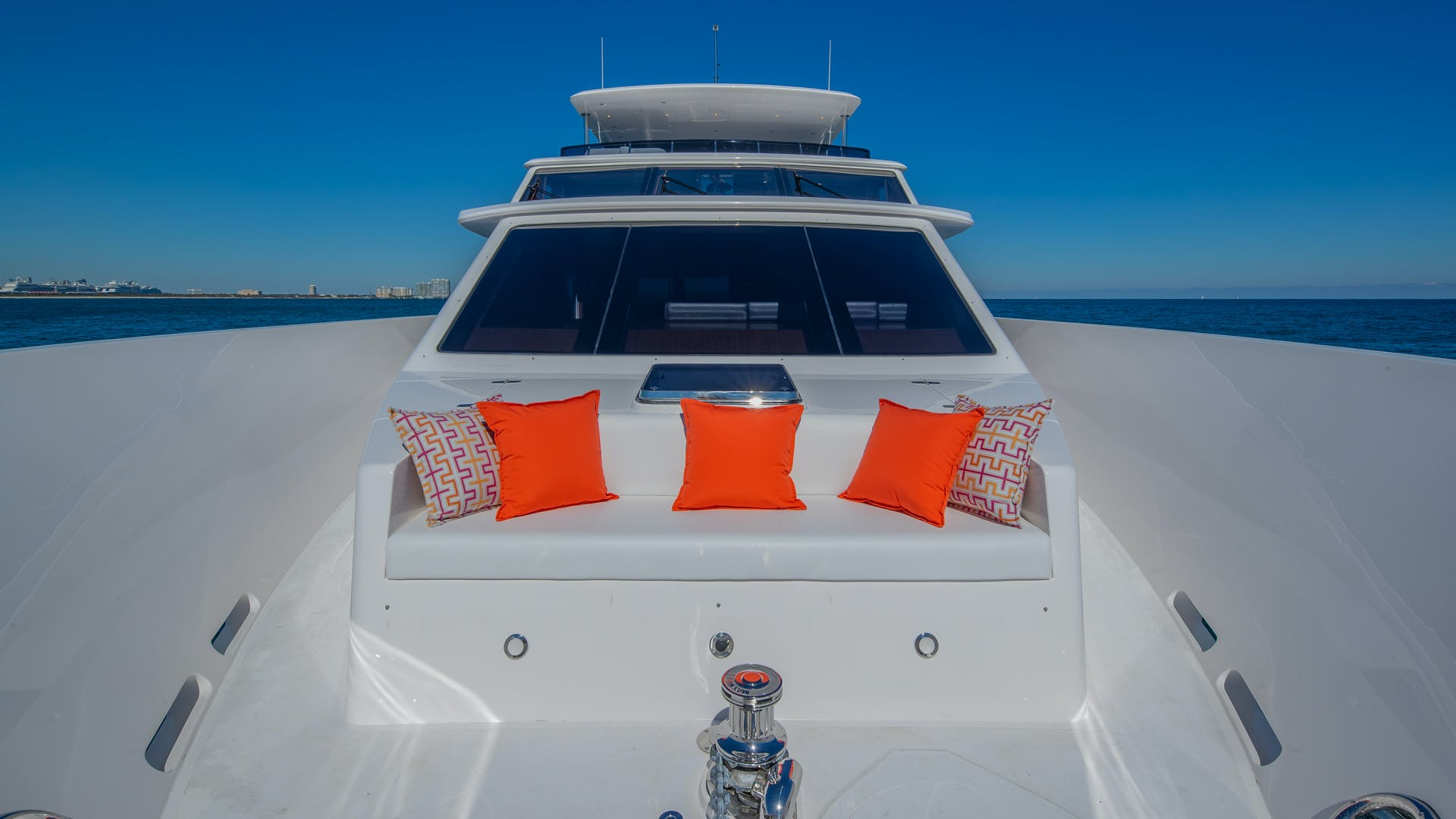 2020 Hargrave 105' Raised Pilothouse IRRESISTIBLE | Picture 3 of 79