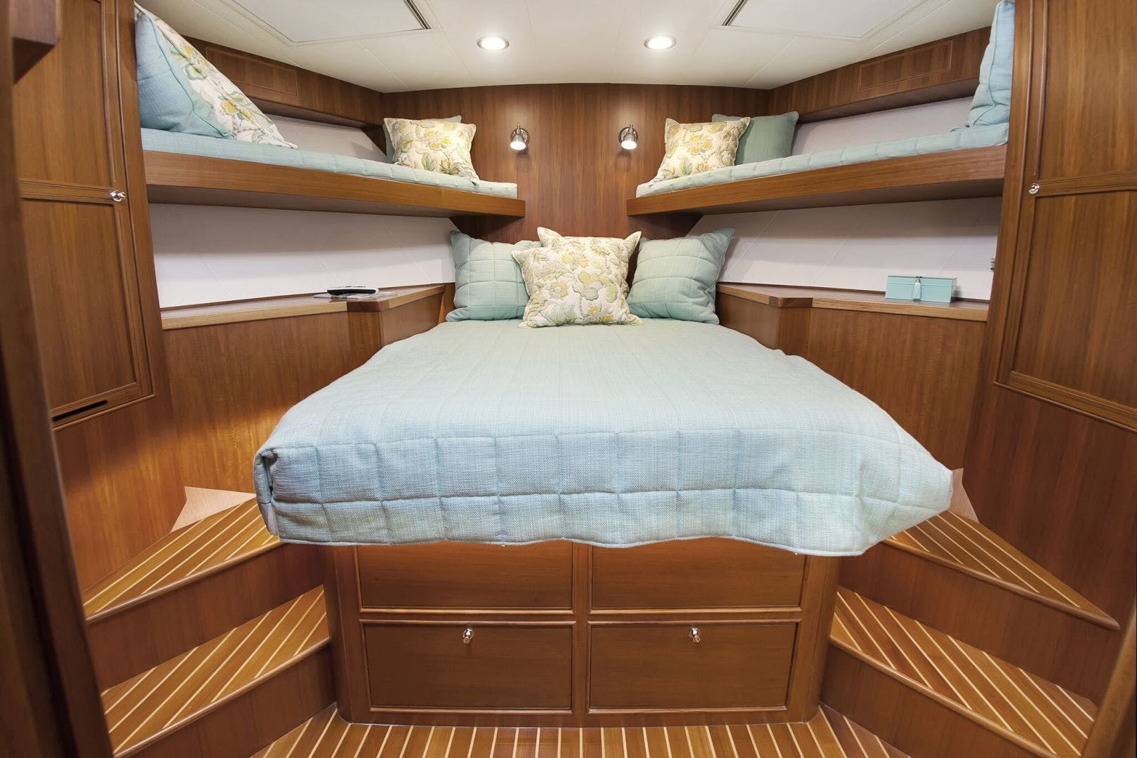2019 Marlow 70' 70CB Explorer MK II Bluewater Lady   Picture 1 of 99