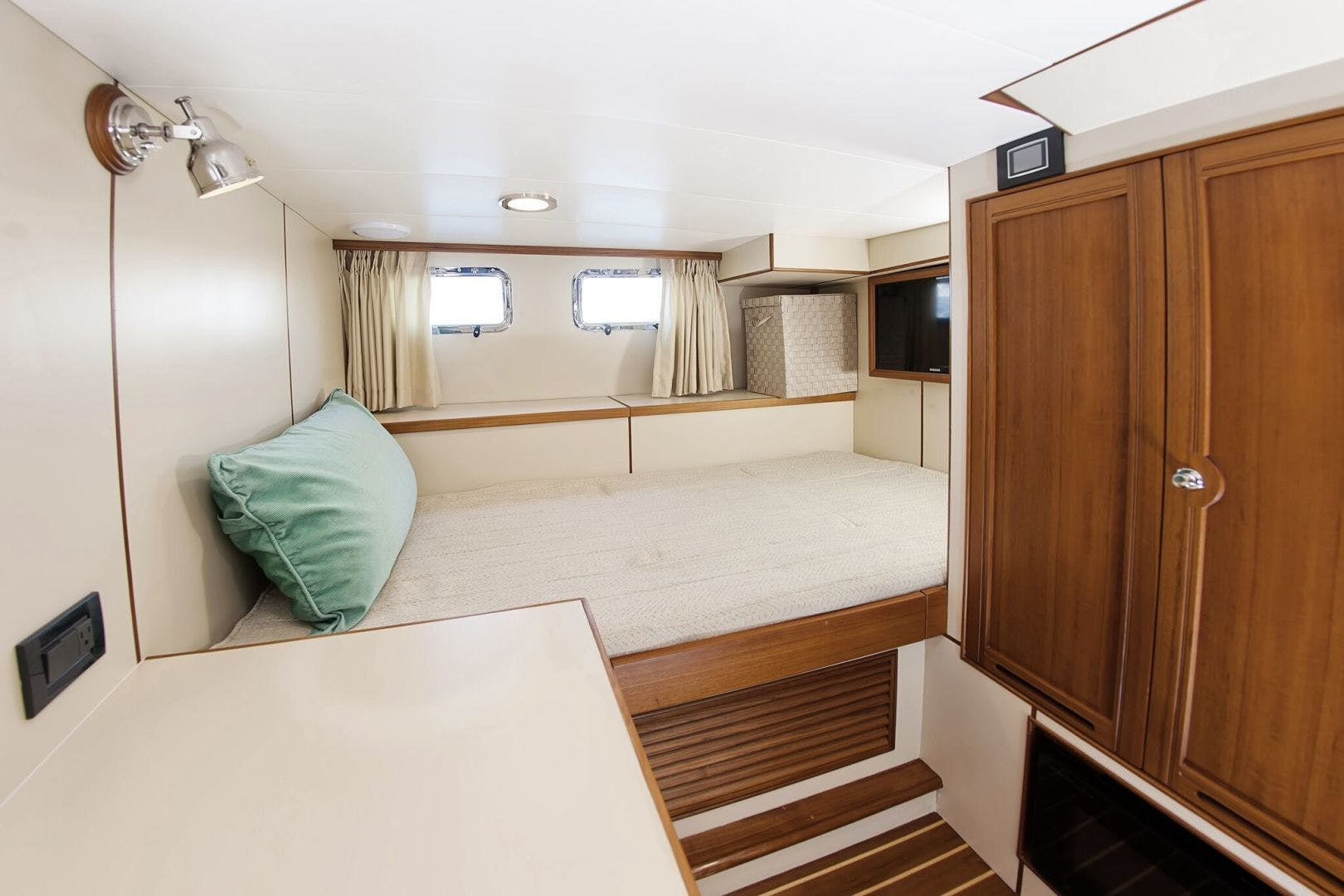 2019 Marlow 70' 70CB Explorer MK II Bluewater Lady   Picture 5 of 99