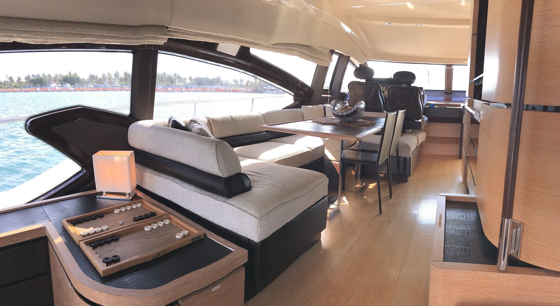 2012 Azimut 70' 70 Flybridge PRIVATE RESERVE   Picture 3 of 32
