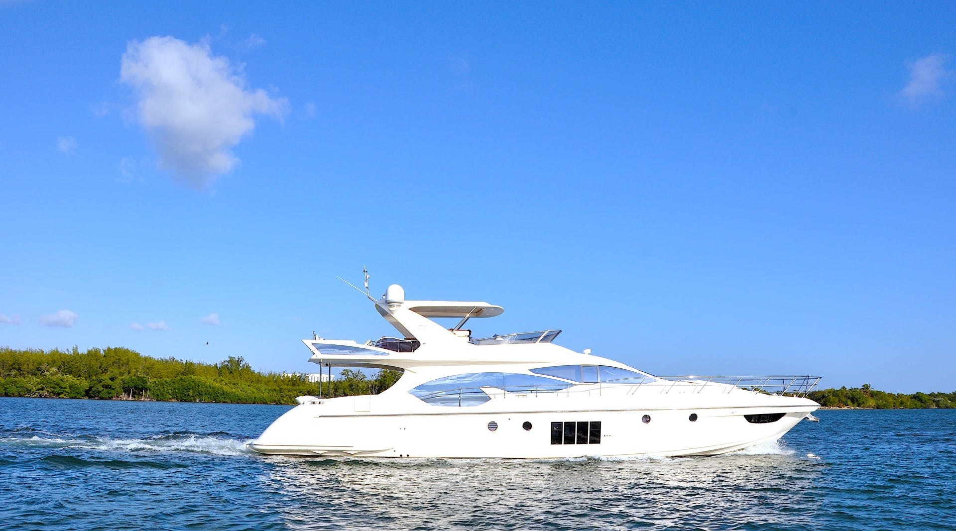 2012 Azimut 70' 70 Flybridge PRIVATE RESERVE   Picture 1 of 32