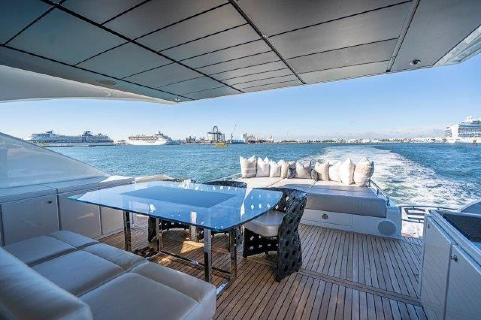 2014 Pershing 92' Motoryacht Neverland | Picture 5 of 52