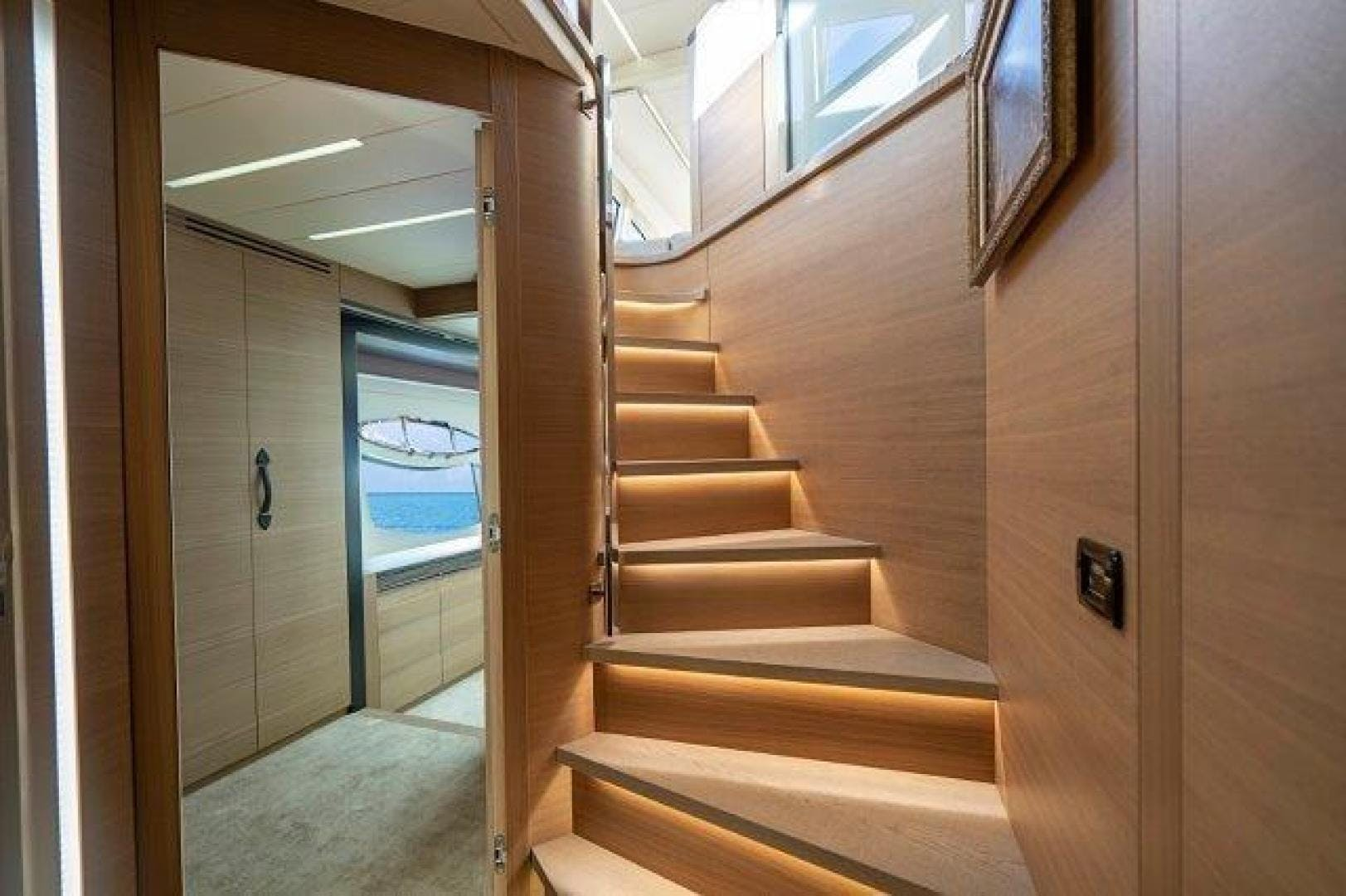 2014 Pershing 92' Motoryacht Neverland | Picture 4 of 52