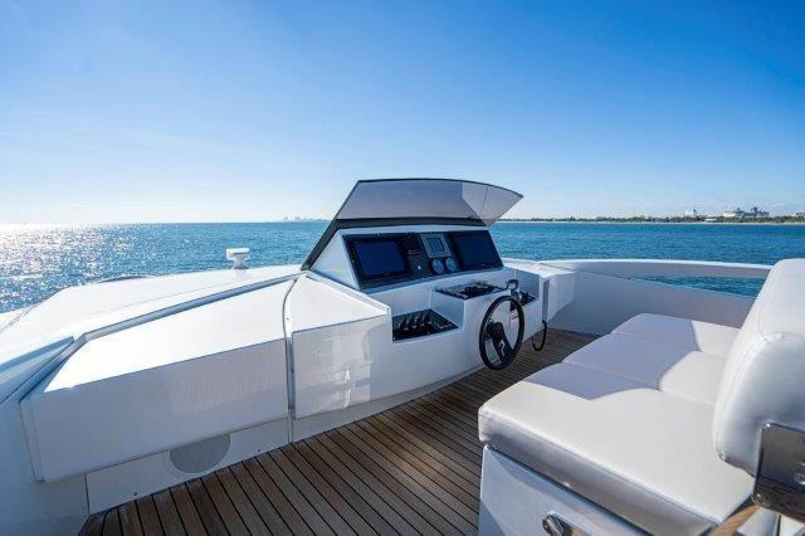 2014 Pershing 92' Motoryacht Neverland | Picture 7 of 52