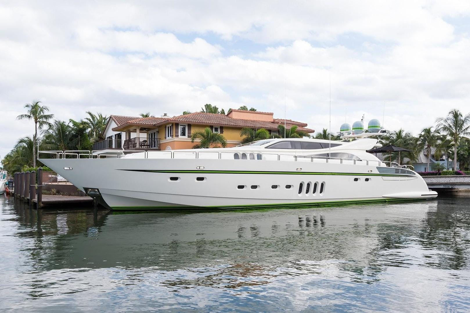 2008 Leopard 112' Motor Yacht 34M Leopard | Picture 3 of 107