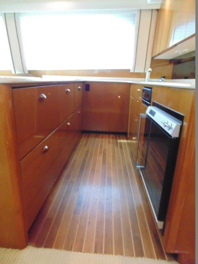 2001 Viking 61' 61 Convertible Duck Soup   Picture 7 of 30