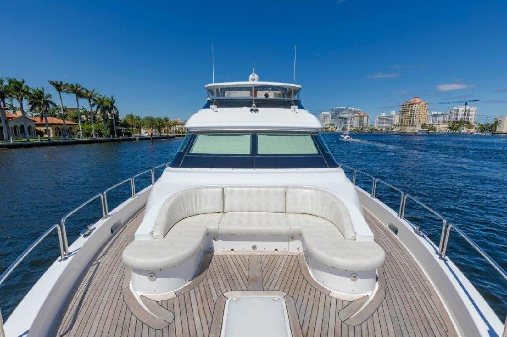 2013 Hatteras 80' Motor Yacht LEXUS LADY | Picture 4 of 42