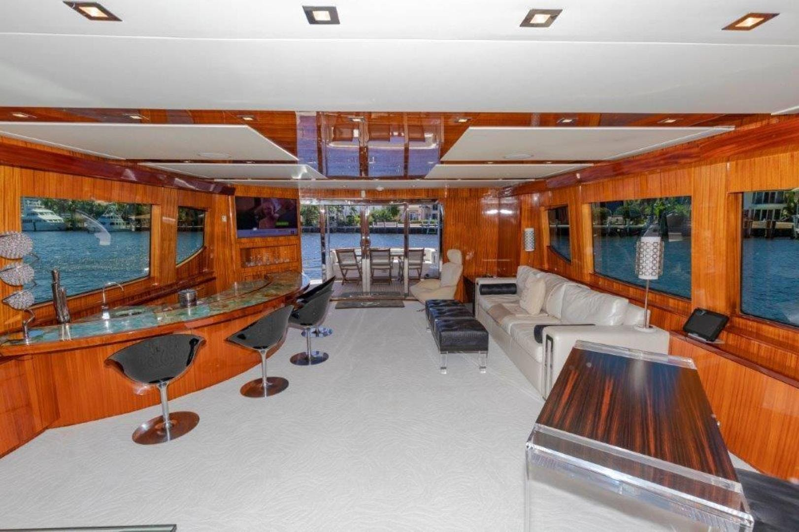 2013 Hatteras 80' Motor Yacht LEXUS LADY | Picture 8 of 42