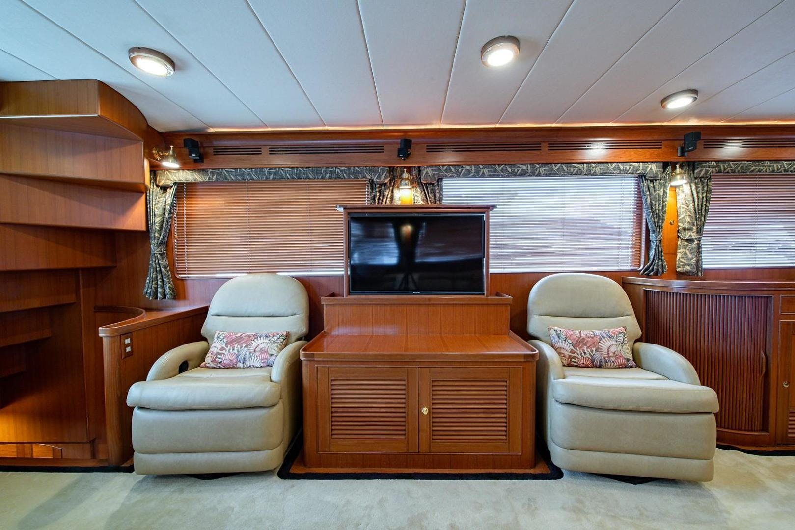 2004 Marlow 70' 70E Sand Piper | Picture 3 of 117