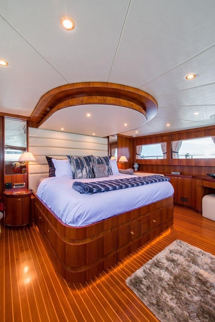 2007 Johnson 87' 87 MOTOR YACHT FITNAUTIC | Picture 5 of 84