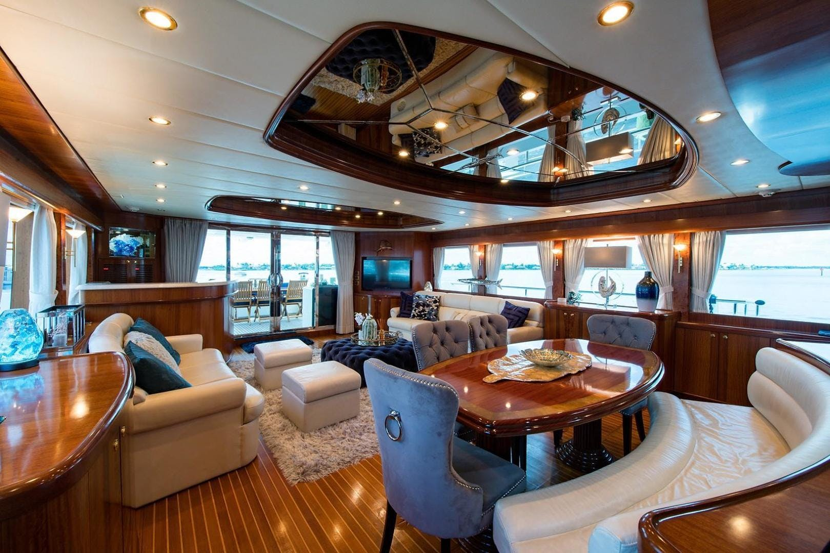 2007 Johnson 87' 87 MOTOR YACHT FITNAUTIC | Picture 4 of 84