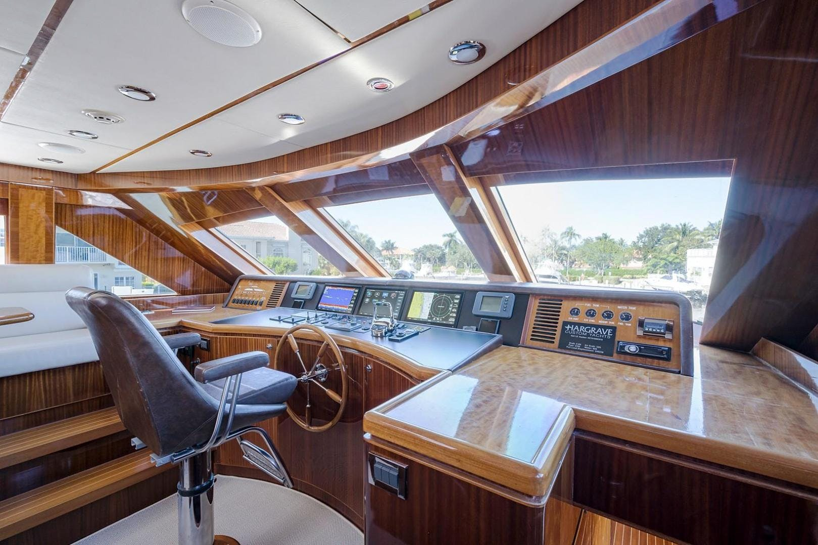 2010 Hargrave 101' Motoryacht SOLO TU | Picture 6 of 87
