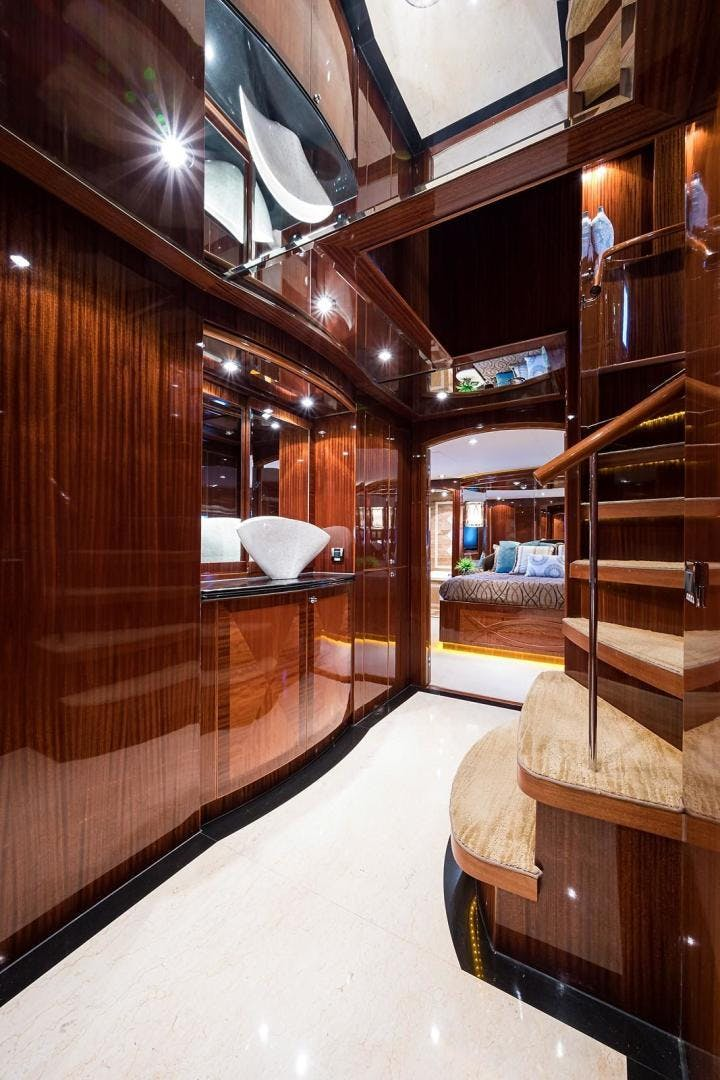 2010 Hargrave 101' Motoryacht SOLO TU | Picture 3 of 87