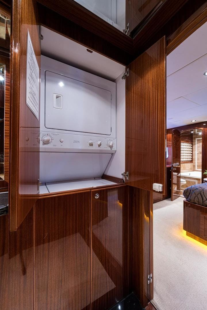 2010 Hargrave 101' Motoryacht SOLO TU | Picture 2 of 87