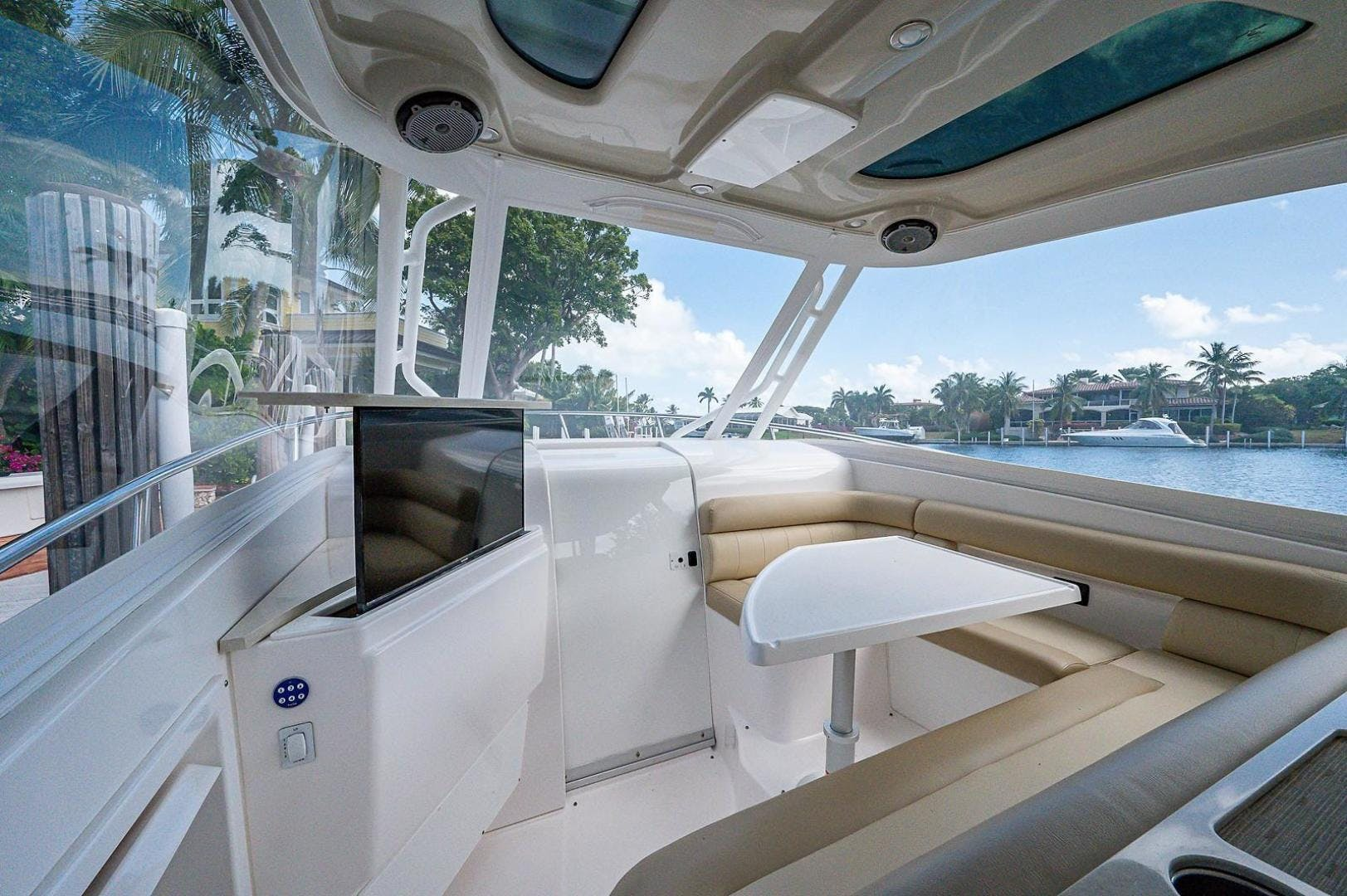 2016 Everglades 36' 360 LXC Jayhawker | Picture 2 of 35