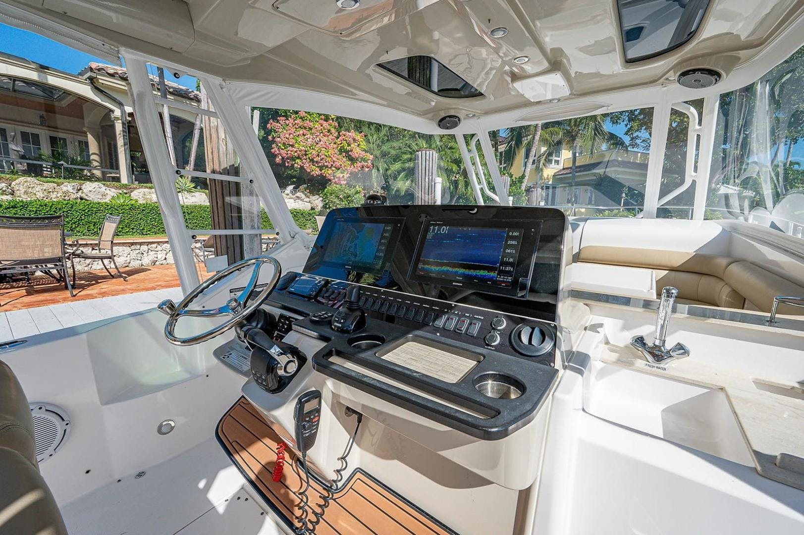 2016 Everglades 36' 360 LXC Jayhawker | Picture 8 of 35