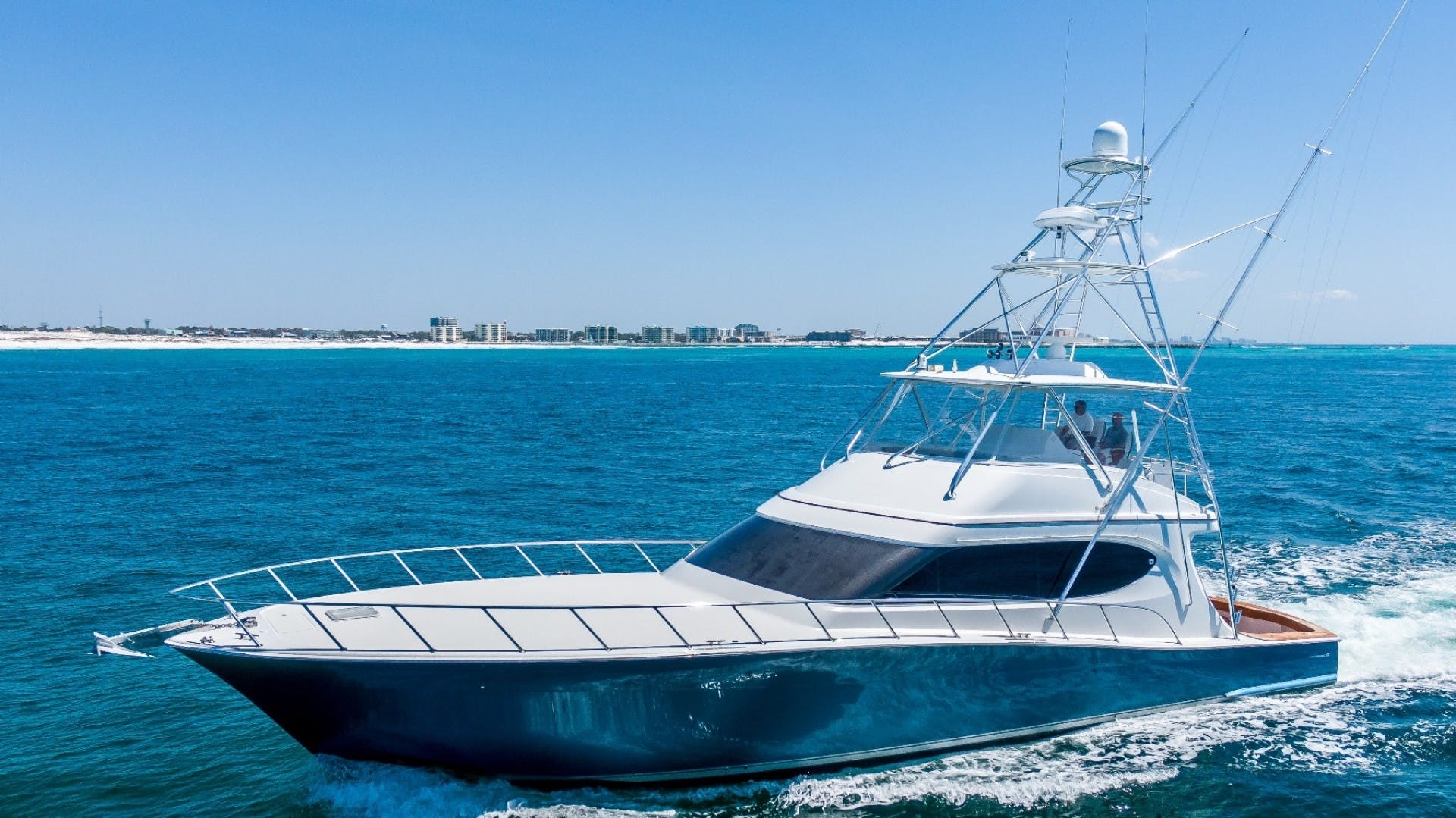 2017 Hatteras 70' GT70 Gear Jammer | Picture 5 of 51