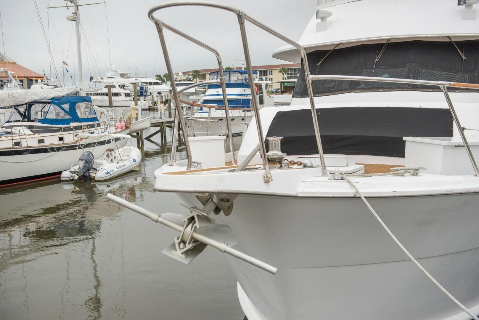 1981 Hatteras 61'  Romance II     Picture 3 of 61