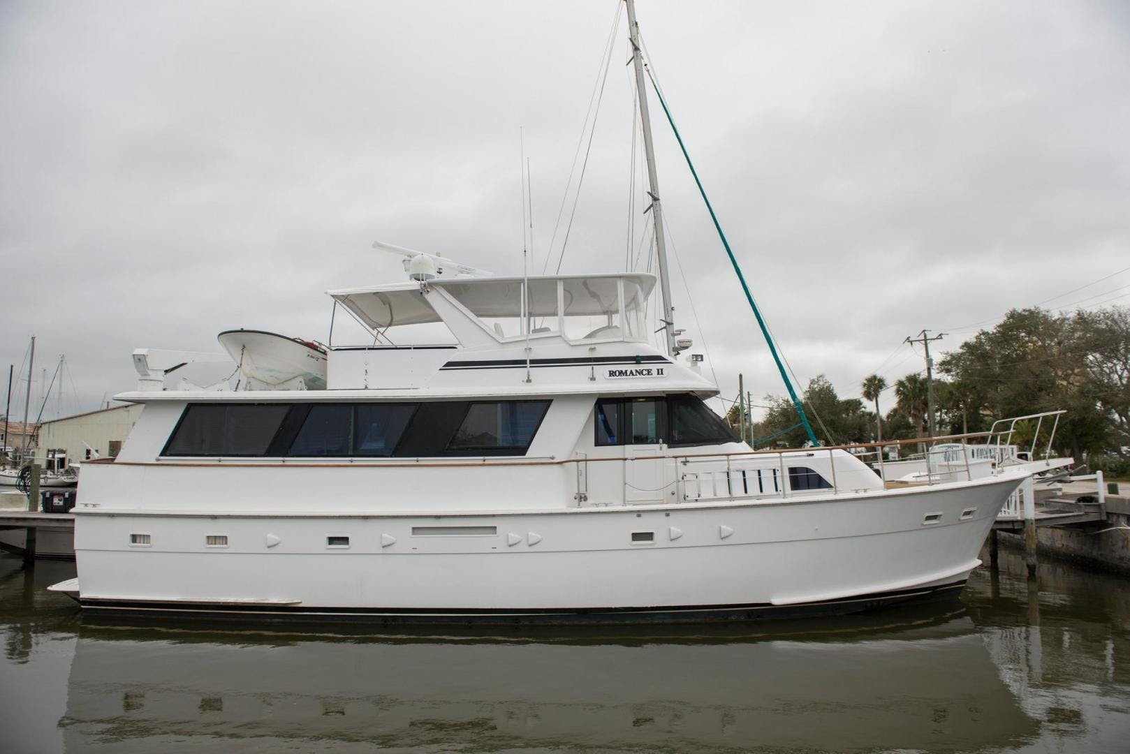 1981 Hatteras 61'  Romance II     Picture 5 of 61