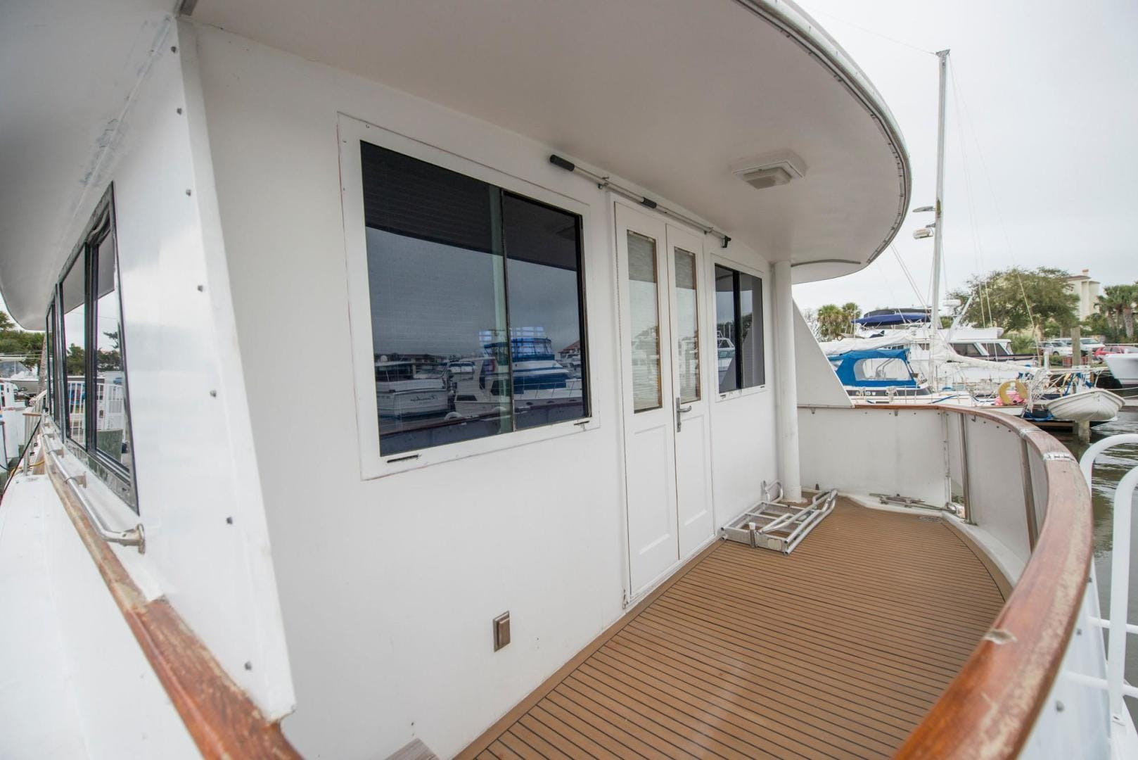1981 Hatteras 61'  Romance II     Picture 1 of 61