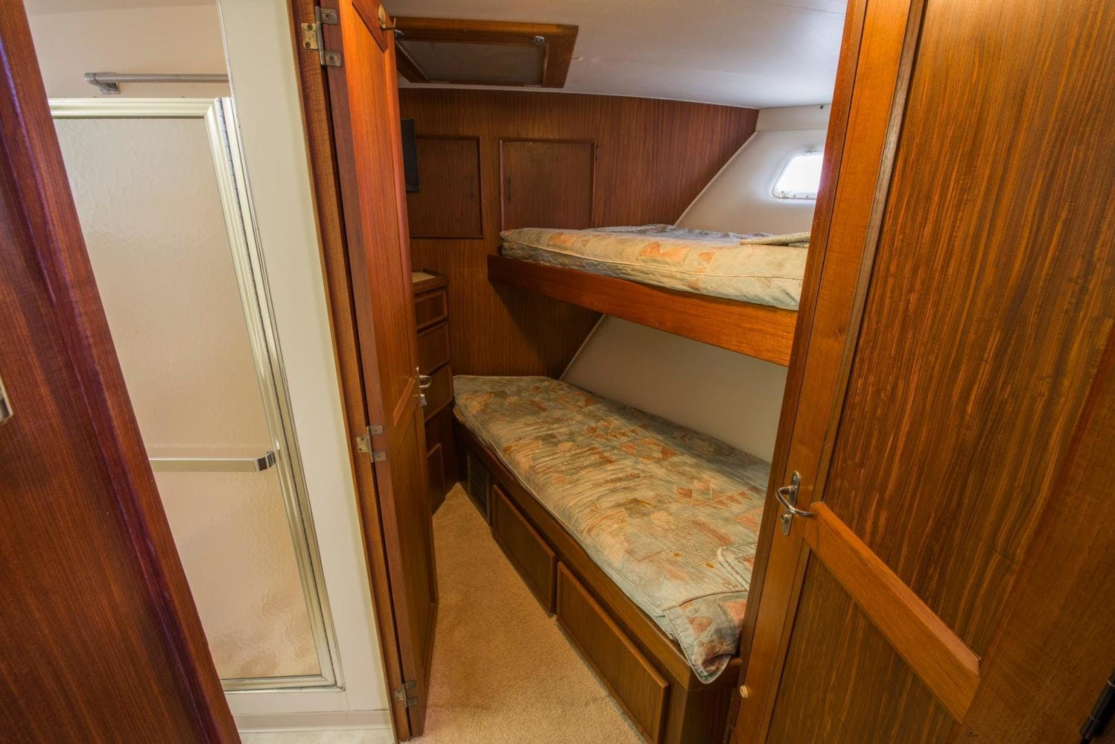 1981 Hatteras 61'  Romance II     Picture 7 of 61