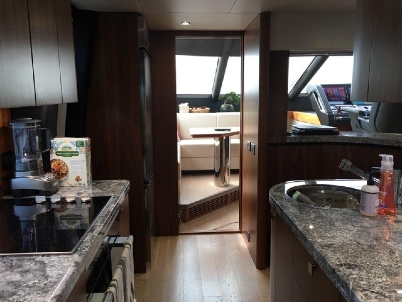 2018 Sunseeker 86' 86 Yacht Docqua | Picture 8 of 15