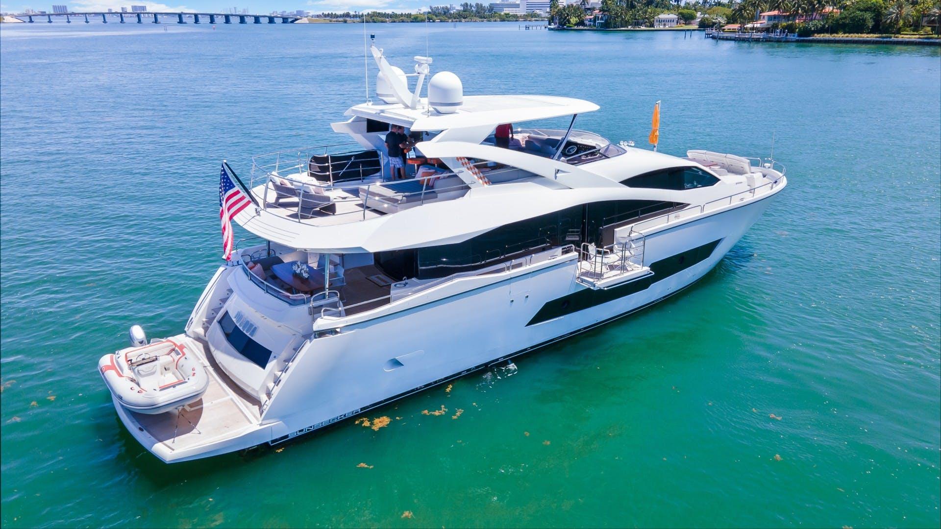 2018 Sunseeker 86' 86 Yacht Docqua | Picture 6 of 43