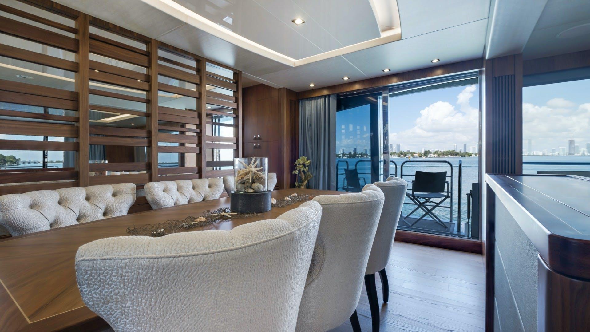 2018 Sunseeker 86' 86 Yacht Docqua | Picture 7 of 43