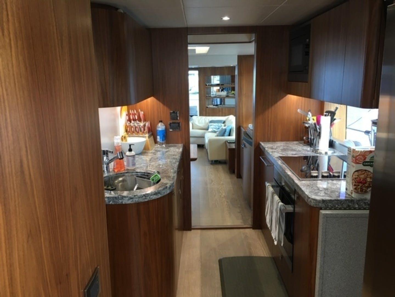 2018 Sunseeker 86' 86 Yacht Docqua | Picture 6 of 15